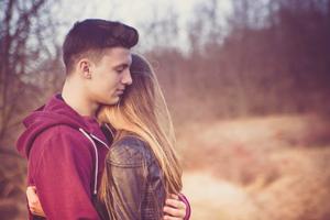 高校から付き合っている彼氏と結婚! ‐ 算命学で結婚占い