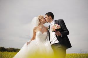 社内恋愛から進展!結婚するベストタイミングは?