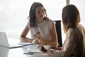 職場での人間関係が上手くいかない。これは転職をするべき?